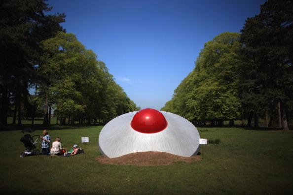 Saucer「Large Sculptures On Display At Tatton Park's Biennial 2012」:写真・画像(5)[壁紙.com]
