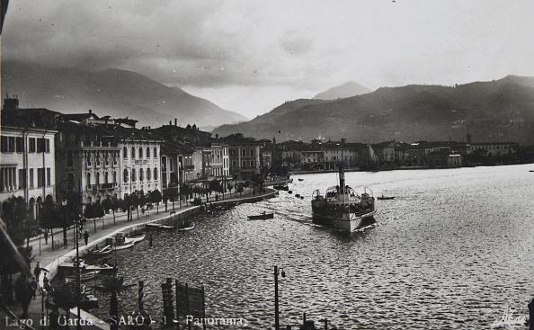 Passenger Craft「Salo / Lake Garda. Panorama. About 1930. Photograph.」:写真・画像(11)[壁紙.com]
