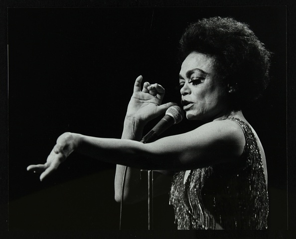 Afro「Eartha Kitt performing at the Forum Theatre, Hatfield, Hertfordshire, 20 March 1983. Her concert end .」:写真・画像(13)[壁紙.com]