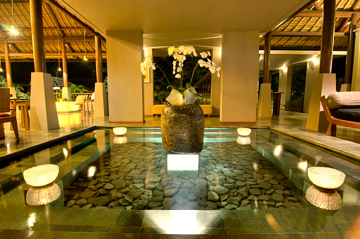 Balinese Culture「Lobby fountain in luxury hotel in Bali」:スマホ壁紙(4)