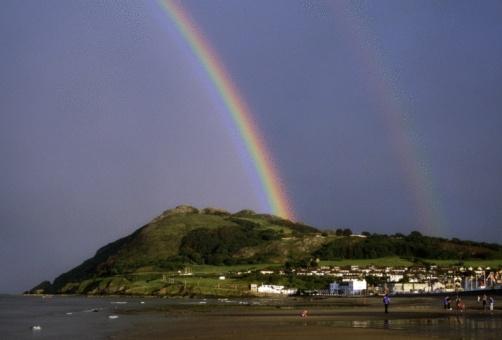 虹「Co Wicklow, Bray Head and beach, Ireland」:スマホ壁紙(4)