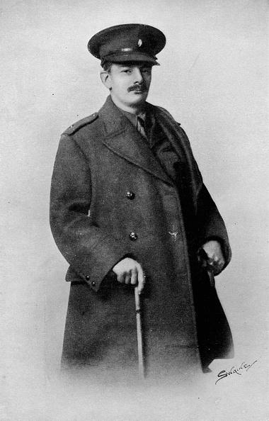 Overcoat「'Lieut. G. Herbert Whyte', C1908, (1917)」:写真・画像(18)[壁紙.com]