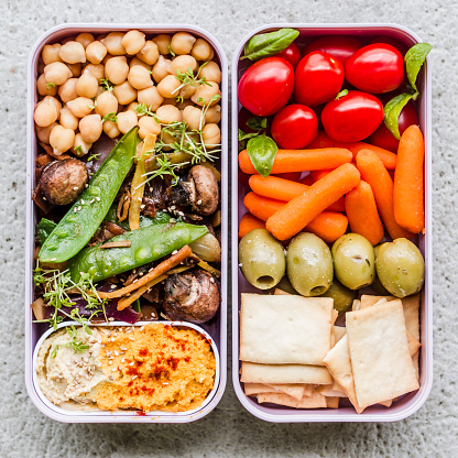 Food Styling「Vegetable and humus lunch boxes」:スマホ壁紙(19)