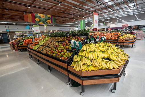 Banana「Vegetable and fruit section at a supermarket - No people」:スマホ壁紙(15)