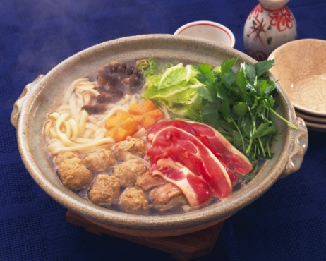 清酒「Vegetable and beef in pot, high angle view, blue background」:スマホ壁紙(19)