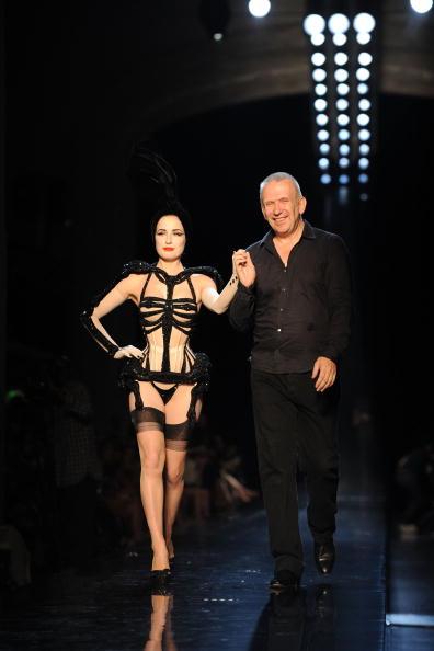 Human Arm「Jean-Paul Gaultier - Runway - PFW Haute Couture F/W 2011」:写真・画像(17)[壁紙.com]