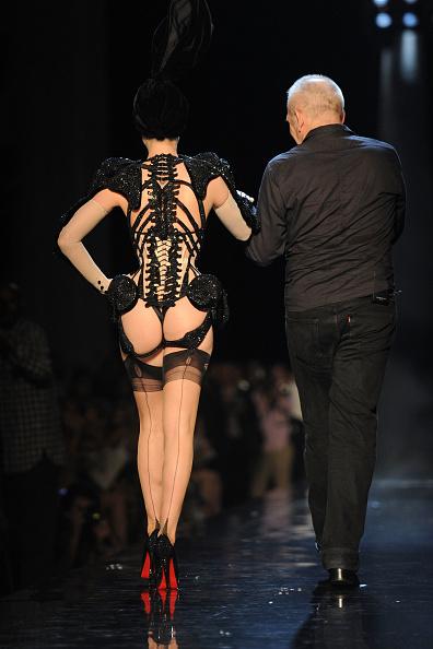 Human Arm「Jean-Paul Gaultier - Runway - PFW Haute Couture F/W 2011」:写真・画像(18)[壁紙.com]