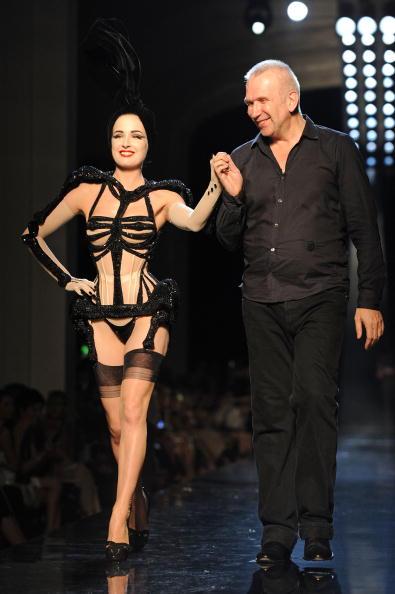 Garter Belt「Jean-Paul Gaultier - Runway - PFW Haute Couture F/W 2011」:写真・画像(7)[壁紙.com]