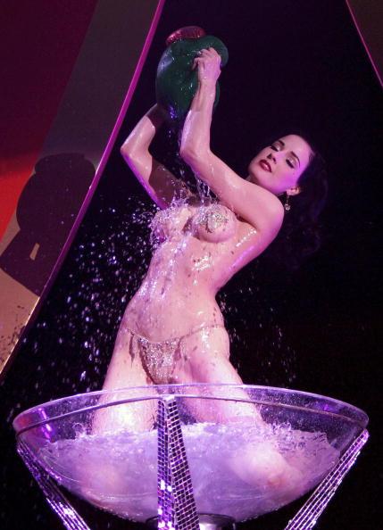 イングランド「Erotica Exhibition Takes Place In London」:写真・画像(6)[壁紙.com]