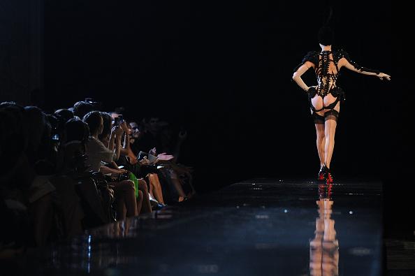 パンティー「Jean-Paul Gaultier - Runway - PFW Haute Couture F/W 2011」:写真・画像(10)[壁紙.com]