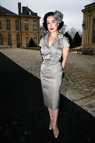 薔薇「Christian Dior: Paris Fashion Week Haute Couture S/S 2009」:写真・画像(14)[壁紙.com]