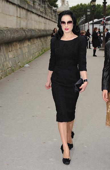 Long Sleeved「Elie Saab - Arrivals Paris Fashion Week Spring/Summer 2011」:写真・画像(9)[壁紙.com]