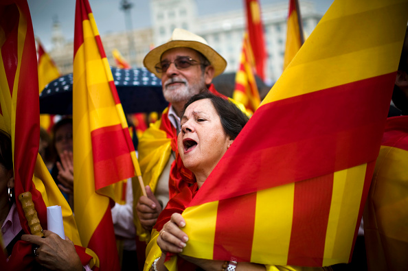 David Ramos「Anti-seperatist Catalans Attend Demonstration on Spain National Day」:写真・画像(0)[壁紙.com]