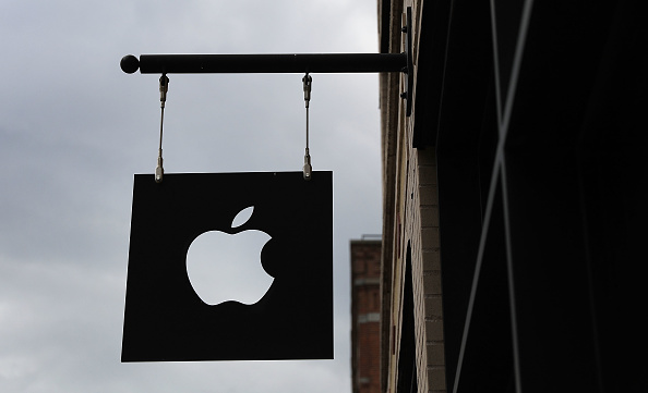 Apple Computers「Apple Becomes First Company In History To Reach $1 Trillion In Market Value」:写真・画像(18)[壁紙.com]