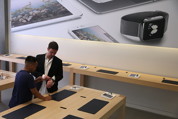 Apple Watch「Apple Watch Available Within Apple Stores」:写真・画像(1)[壁紙.com]