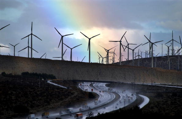 Environment「Storm Eases Over Windfarms」:写真・画像(3)[壁紙.com]