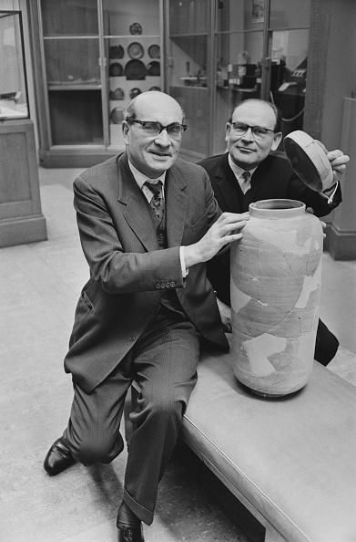 花瓶「Dead Sea Scroll Vase」:写真・画像(4)[壁紙.com]