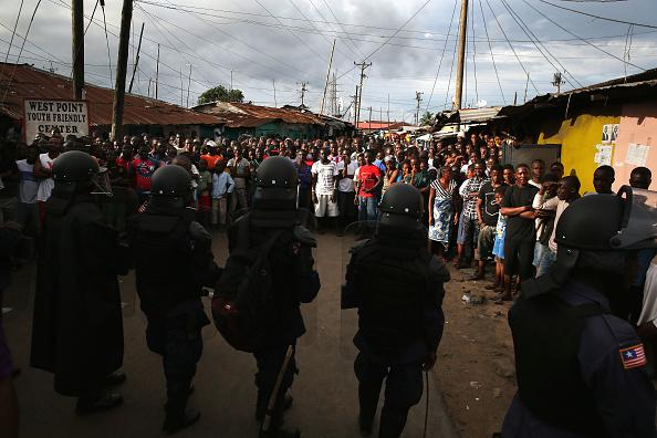 検疫「Liberia Battles Spreading Ebola Epidemic」:写真・画像(4)[壁紙.com]