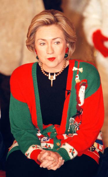 Clinton reads Christmas stories to children:ニュース(壁紙.com)