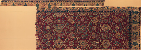 Rug「Fragments Of A Carpet With Lattice And Blossom Pattern」:写真・画像(12)[壁紙.com]