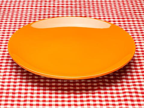 Tartan check「オレンジのプレートに格子じまのテーブルクロス」:スマホ壁紙(15)