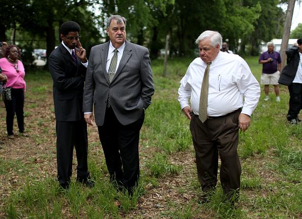 Police Chief「Al Sharpton Holds Sermon And Vigil In North Charleston For Walter Scott」:写真・画像(5)[壁紙.com]