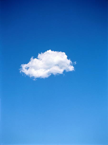Single altocumulus cloud in blue sky:スマホ壁紙(壁紙.com)