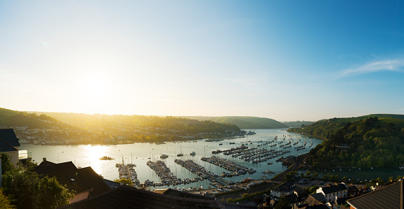 Dartmouth - England「View of Dartmouth, across the harbour and river Dart at sunset.」:スマホ壁紙(5)