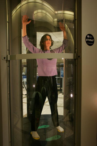 LAX Airport「TSA Unveils Whole Body Imaging System At Los Angeles International Air」:写真・画像(4)[壁紙.com]