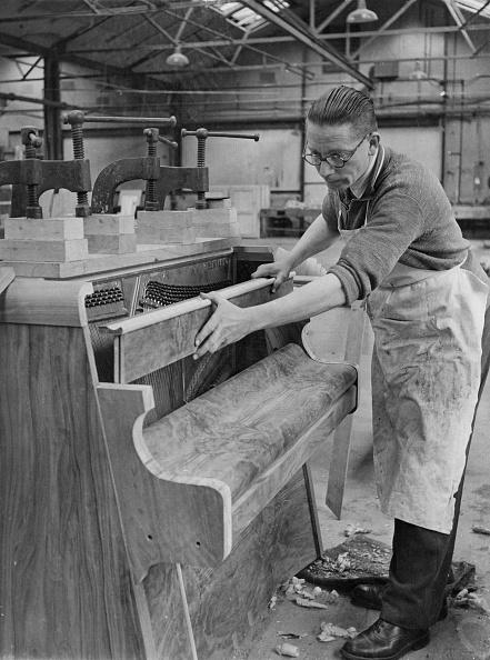 Men「Bentley Piano Factory」:写真・画像(12)[壁紙.com]