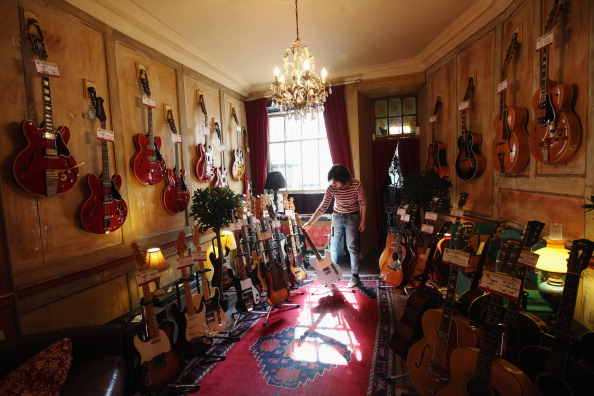 楽器「The Music Stores And Recording Studios Of Denmark Street」:写真・画像(8)[壁紙.com]