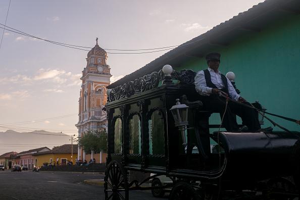 Atmospheric Mood「Funeral Hearse In Granada」:写真・画像(1)[壁紙.com]