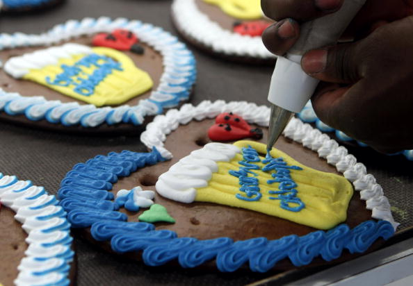 Gingerbread Cookie「Famous Gingerbread Hearts Are Produced For Oktoberfest」:写真・画像(8)[壁紙.com]