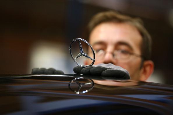 ダイムラーAG「S-Class Assembly At Mercedes-Benz Plant」:写真・画像(9)[壁紙.com]