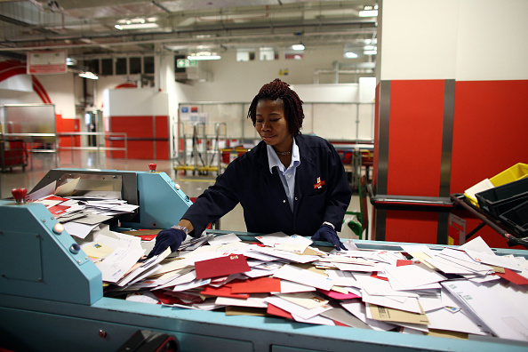 Royal Mail「Royal Mail Sorting Office Reaches Peak Christmas Activity This Week」:写真・画像(9)[壁紙.com]