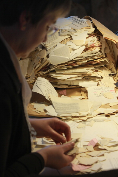Paperwork「Shredded Secret Police Records Reconstruncted By Government Agency」:写真・画像(15)[壁紙.com]