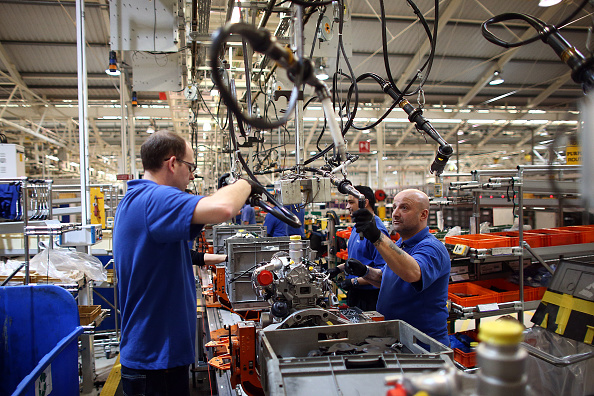 Industry「The New State Of The Art Ford Production Line」:写真・画像(1)[壁紙.com]
