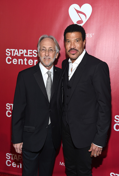 National Academy of Recording Arts and Sciences「2016 MusiCares Person Of The Year Honoring Lionel Richie - Red Carpet」:写真・画像(5)[壁紙.com]