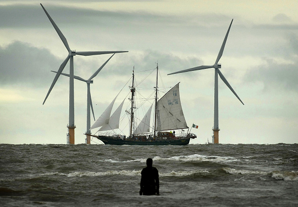 Wind「Tall Ships Head In To Dock At Liverpool」:写真・画像(10)[壁紙.com]