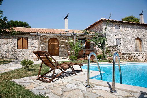Outdoor Chair「A relaxing Mediterrannean villa with a lovely pool」:スマホ壁紙(11)