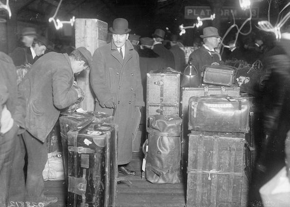 Suitcase「On The Mauretania」:写真・画像(19)[壁紙.com]