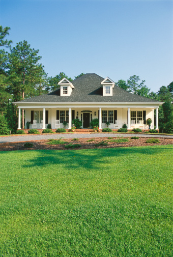 Southern USA「House and garden, with lawn in foreground」:スマホ壁紙(4)