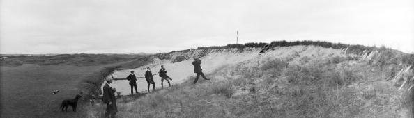 Sand Trap「Golfers In Bunker」:写真・画像(18)[壁紙.com]