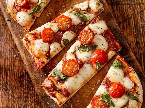 Margherita Flat Bread Pizza:スマホ壁紙(壁紙.com)