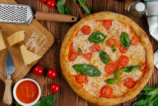 Cheese「Margherita pizza with ingredients」:スマホ壁紙(1)