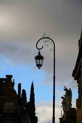 Buenos Aires「Argentina, Buenos Aires, Recoleta Cemetery sculpture and antique street light」:スマホ壁紙(3)