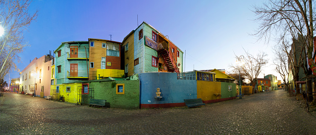Buenos Aires「Argentina, Buenos Aires, colorful houses at Caminito」:スマホ壁紙(10)