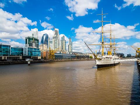 Buenos Aires「Argentina, Buenos Aires, Puerto Madero, Dock South, Frigate Sarmiento」:スマホ壁紙(14)