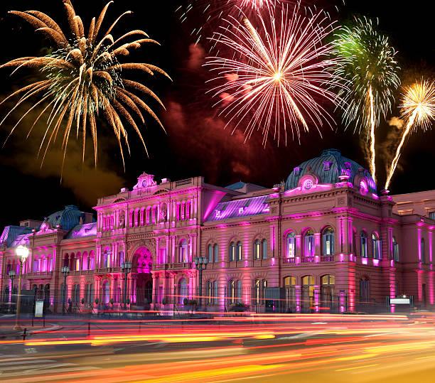 Argentina Buenos Aires Casa Rosada at night with fireworks:スマホ壁紙(壁紙.com)