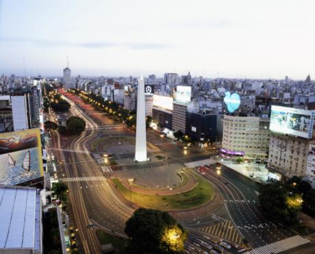 Buenos Aires「Argentina, Buenos Aires, Plaza de la Republica, Obelisco, dusk」:スマホ壁紙(2)